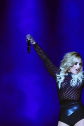Demi Lovato Performing in Mexico City 10/16/2016