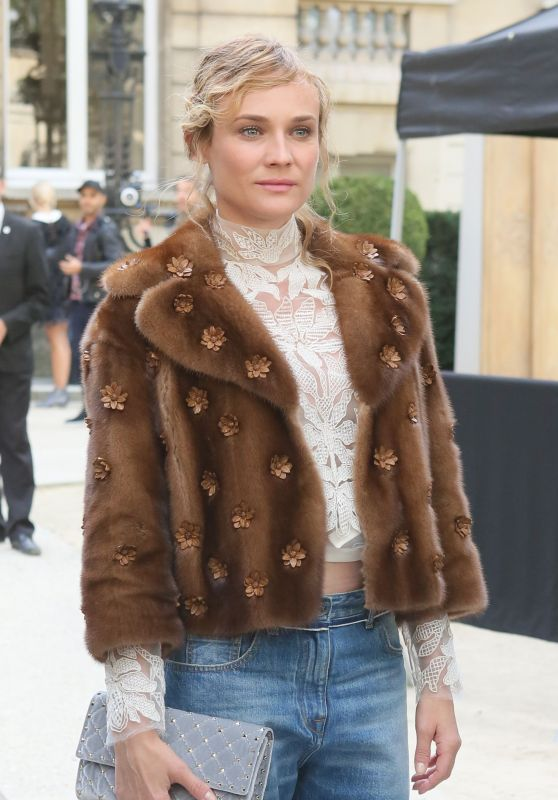 Diane Kruger - Arrives at the Valentino Show - Paris Fashion Week 10/2/2016