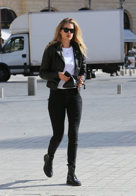 Doutzen Kroes Casual Style - Out in Paris 10/3/2016