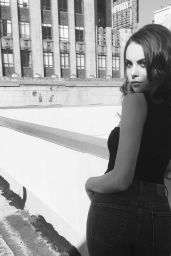 Elizabeth Gillies Social Media Pics, October 2016