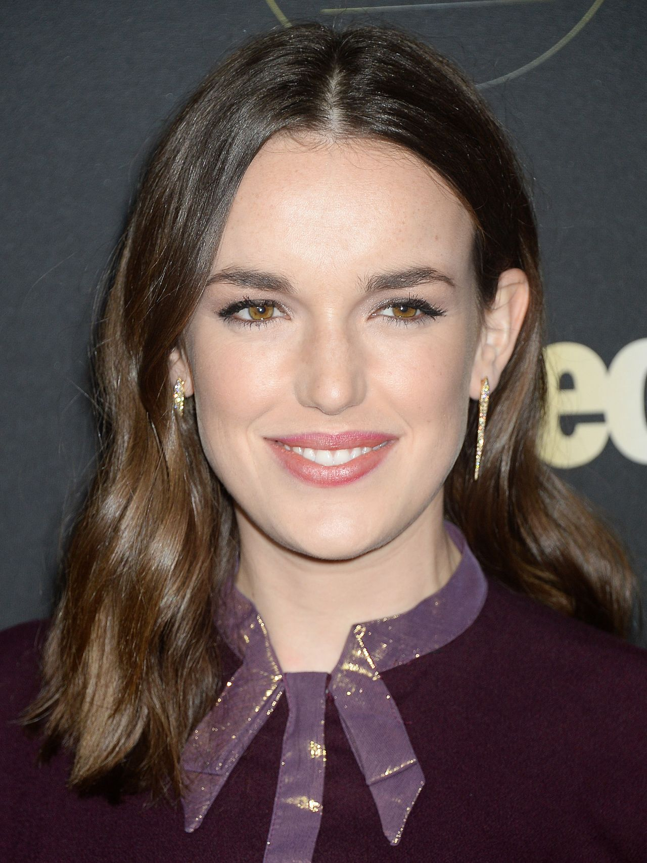 Elizabeth Henstridge Nude Photos 86