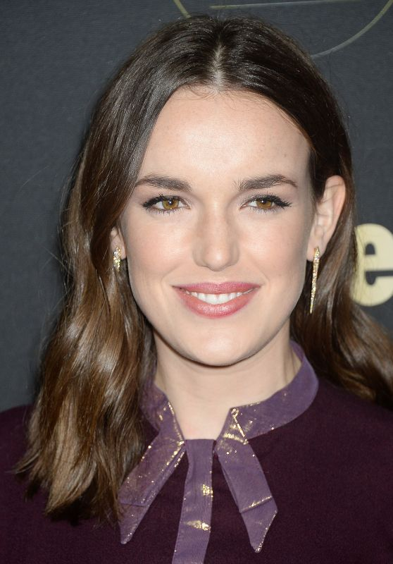 Elizabeth Henstridge – People's 'Ones to Watch' Event in Hollywood 10/13/2016
