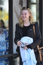 Elle Fanning - Leaving a Gym in LA 10/5/2016