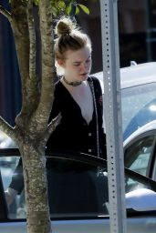 Elle Fanning - Shopping in New Orleans 10/29/ 2016