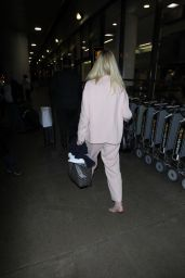 Elle Fanning Travel Outfit - LAX Airport in Los Angeles 10/11/2016