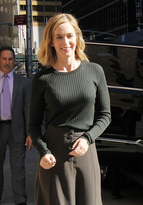 Emily Blunt at The Late Show With Stephen Colbert 10/6/2016