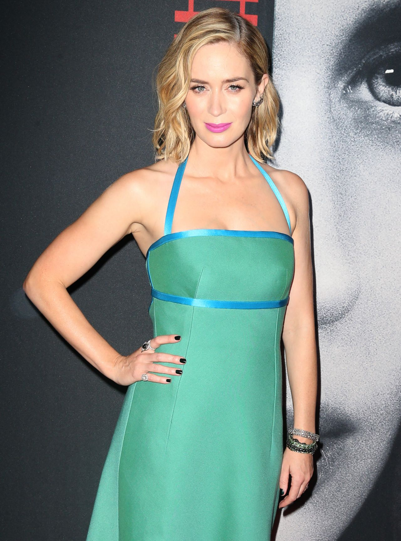 Emily Blunt - 'The Girl On The Train' Premiere in New York ... Emily Blunt