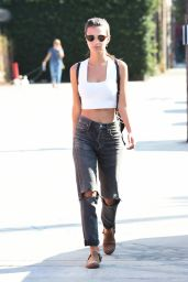 Emily Ratajkowski Street Style - Out in Los Angeles 10/12/2016
