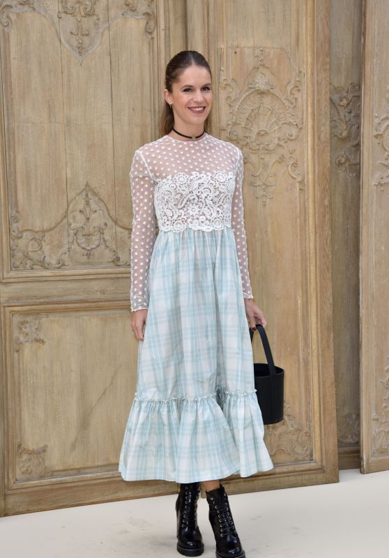 Eugenie Niarchos at Valentino Show – Paris Fashion Week 10/2/2016