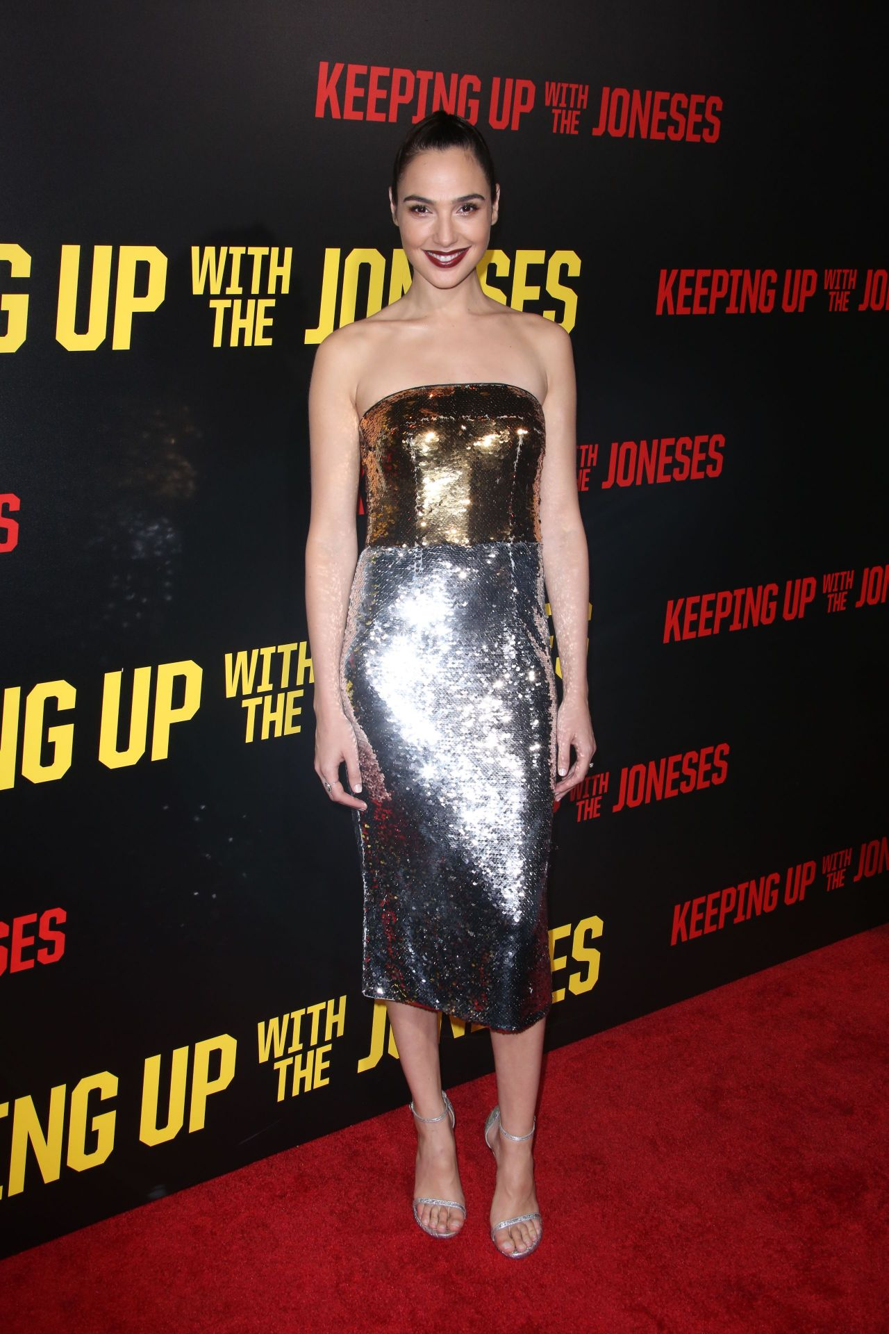 http://celebmafia.com/wp-content/uploads/2016/10/gal-gadot-keeping-up-with-the-joneses-premiere-in-los-angeles-10-8-2016-3.jpg