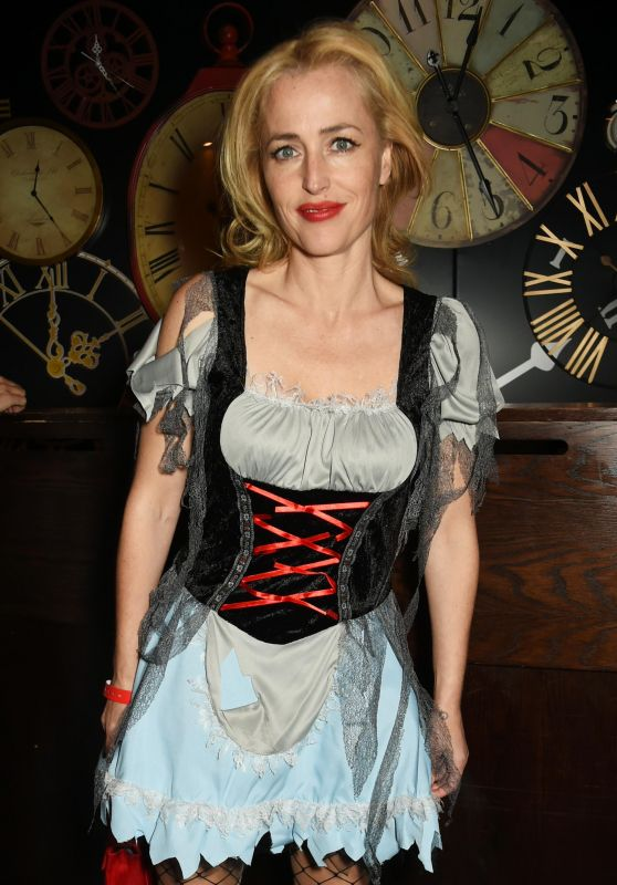 Gillian Anderson Unicef Uk Halloween Ball 10 13 2016