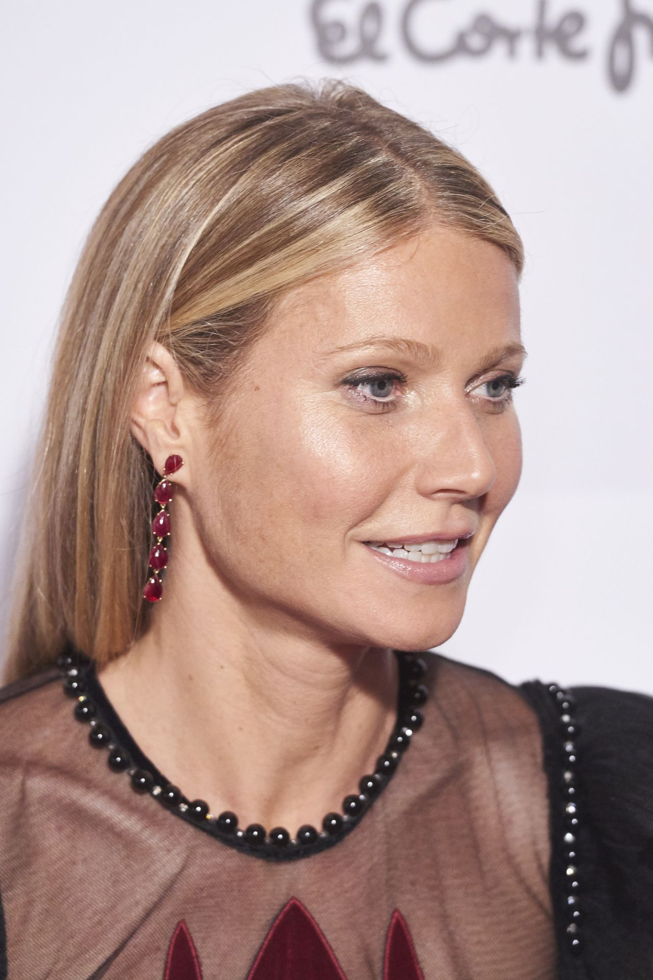 Gwyneth Paltrow – ELLE Magazine Party in Madrid 10/26/ 2016 Gwyneth Paltrow