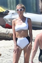 Gwyneth Paltrow in Bikini - Beach in Cabo, Mexico, September 2016