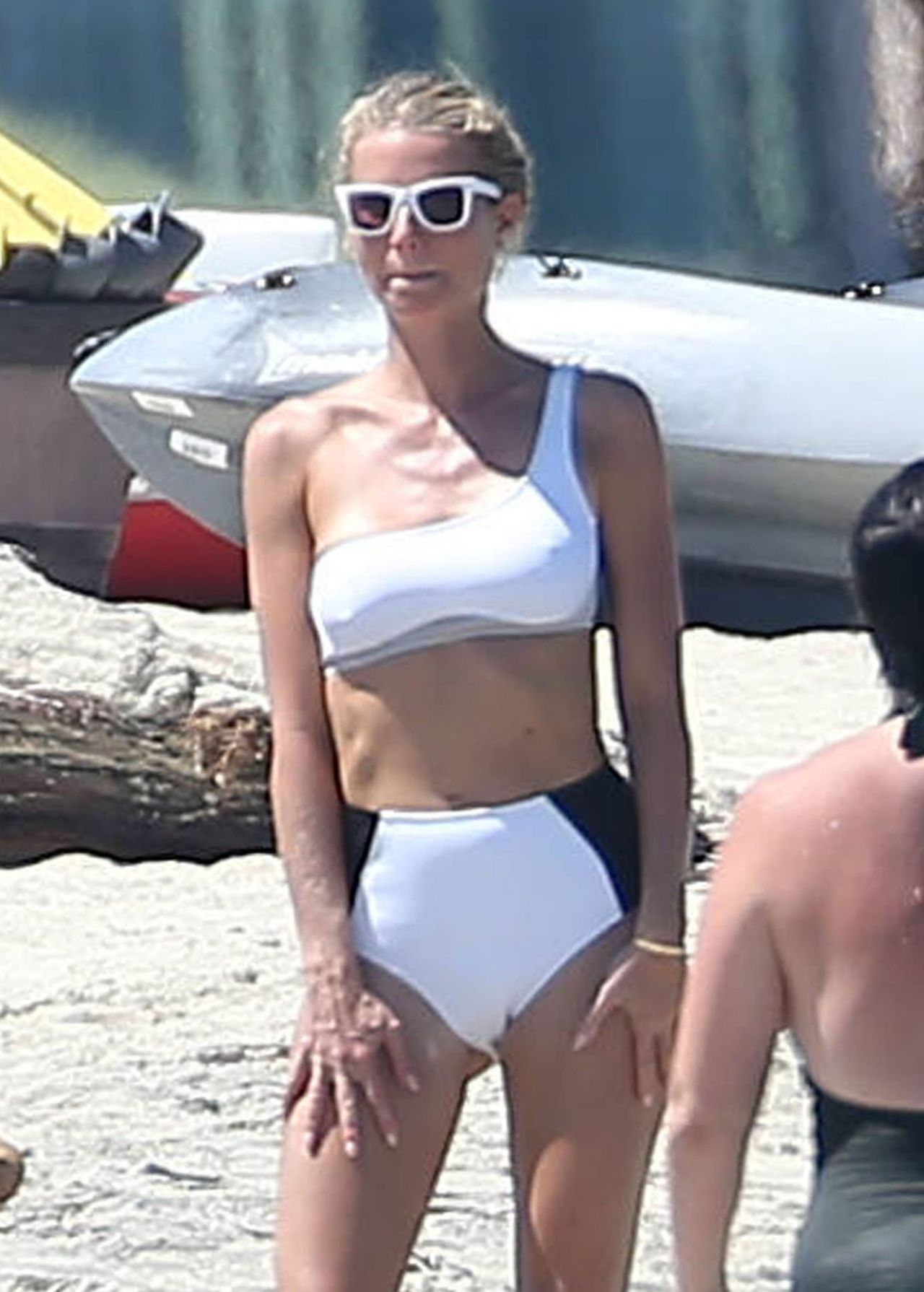Gwyneth Paltrow In Bikini Beach In Cabo Mexico