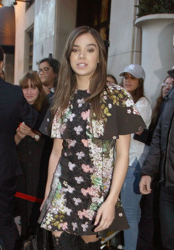 Hailee Steinfeld - Leaving the George V Hotel in Paris 10/3/2016