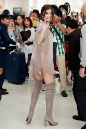 Hailee Steinfeld - Narita International Airport in Tokyo 10/9/2016
