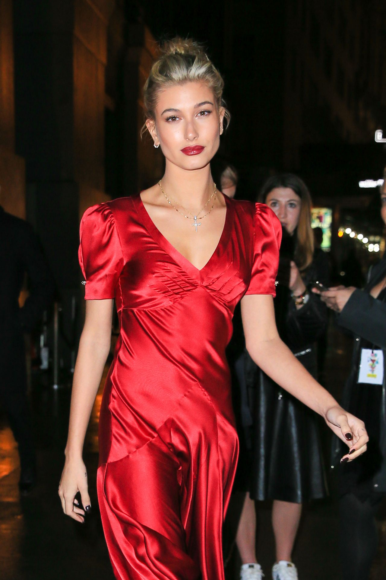 Hailey Baldwin Latest Photos - CelebMafia