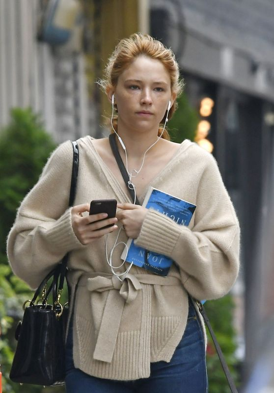 Haley Bennett - Out in NYC 9/29/2016