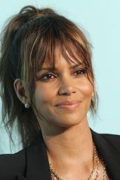 Halle Berry – Tiffany & Co Store Renovation Unveiling in LA 10/13/2016