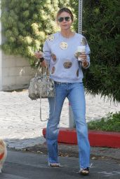 Heidi Klum - Grabbing Starbucks Coffee in Los Angeles 10/2/2016