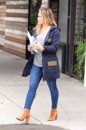 Hilary Duff Casual Outfit - Running Errands For Mattress Shopping, Studio City 10/23/2016