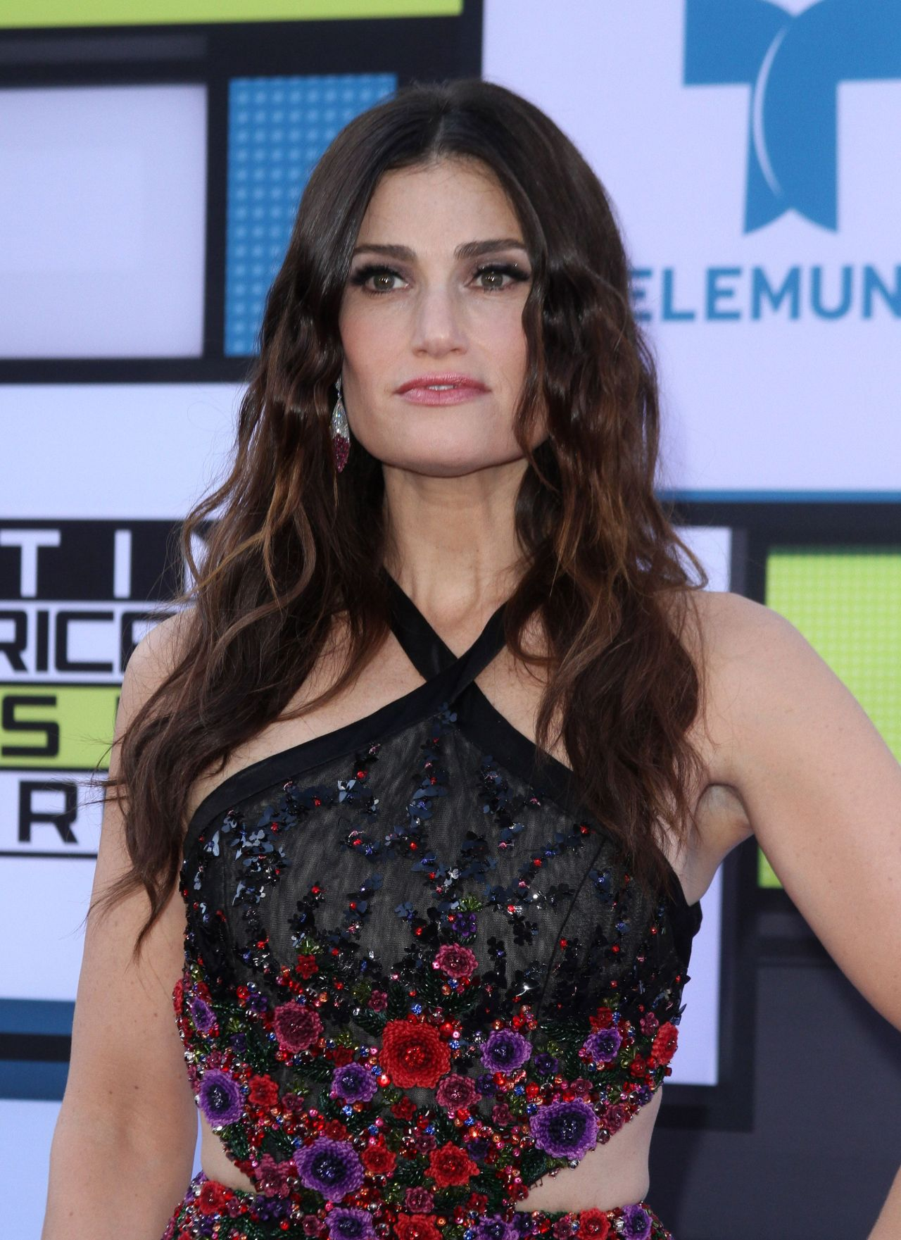 Idina Menzel Latin American Music Awards In Hollywood 10