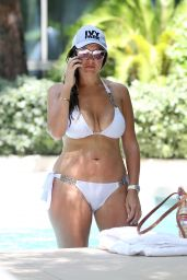 Imogen Thomas in White Bikini in the Hot Tub - Las Vegas 9/30/2016
