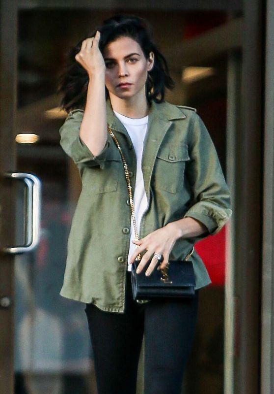 Jenna Dewan at Beverly Hills Dermatology 10/18/2016