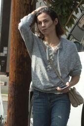 Jenna Dewan - Stops by a Beauty Shop For Some Supplies in Los Angeles 10/11/2016