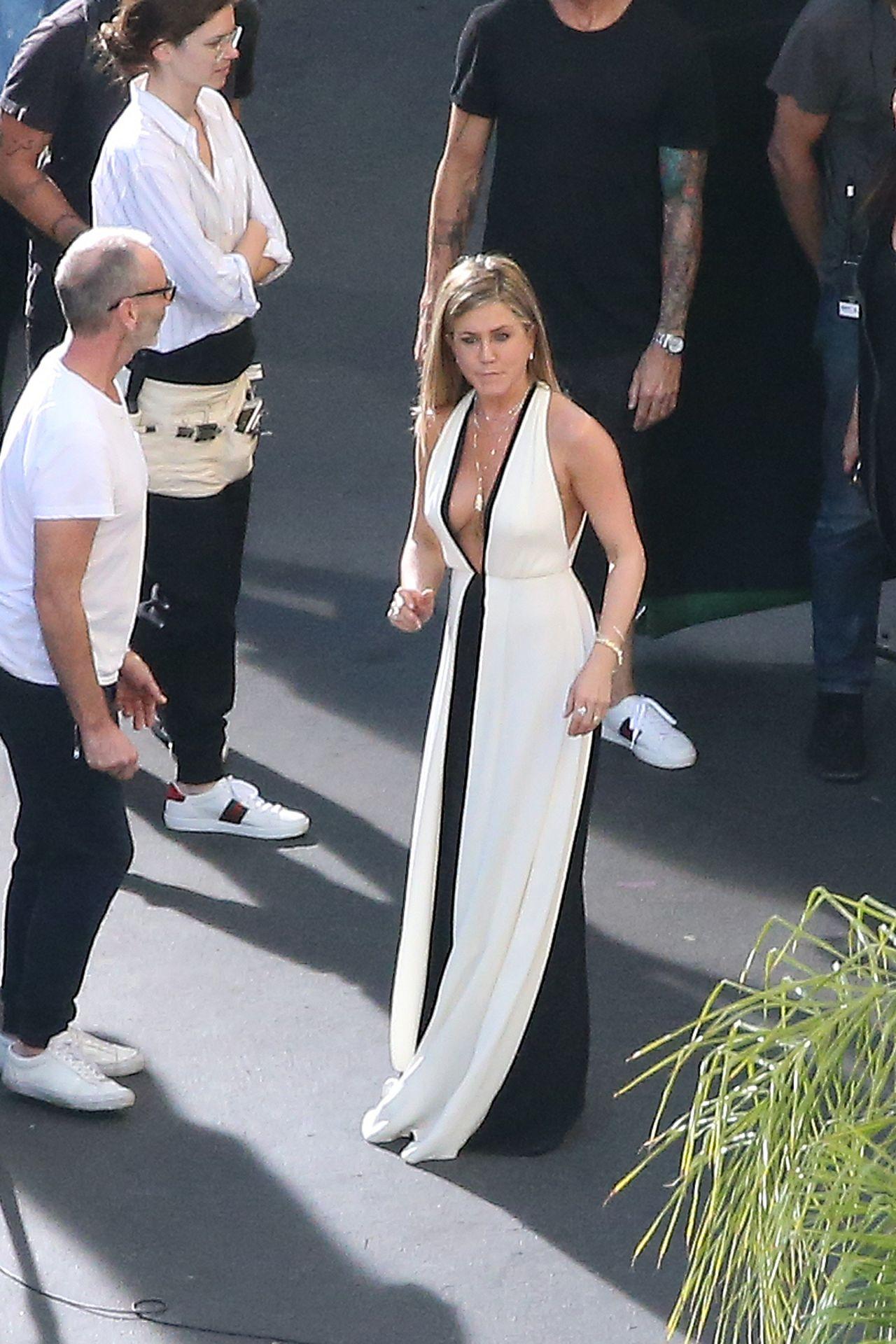 Jennifer Aniston Photoshoot In Los Angeles 1018 2016