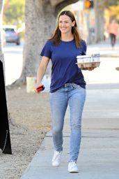 Jennifer Garner - Getting Coffee in Brentwood 10/5/ 2016