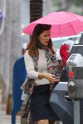 Jennifer Garner - Seen in Rain Day at Church in Los Angeles 10/30/ 2016
