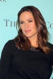 Jennifer Garner – Tiffany & Co Store Renovation Unveiling in LA 10/13/2016