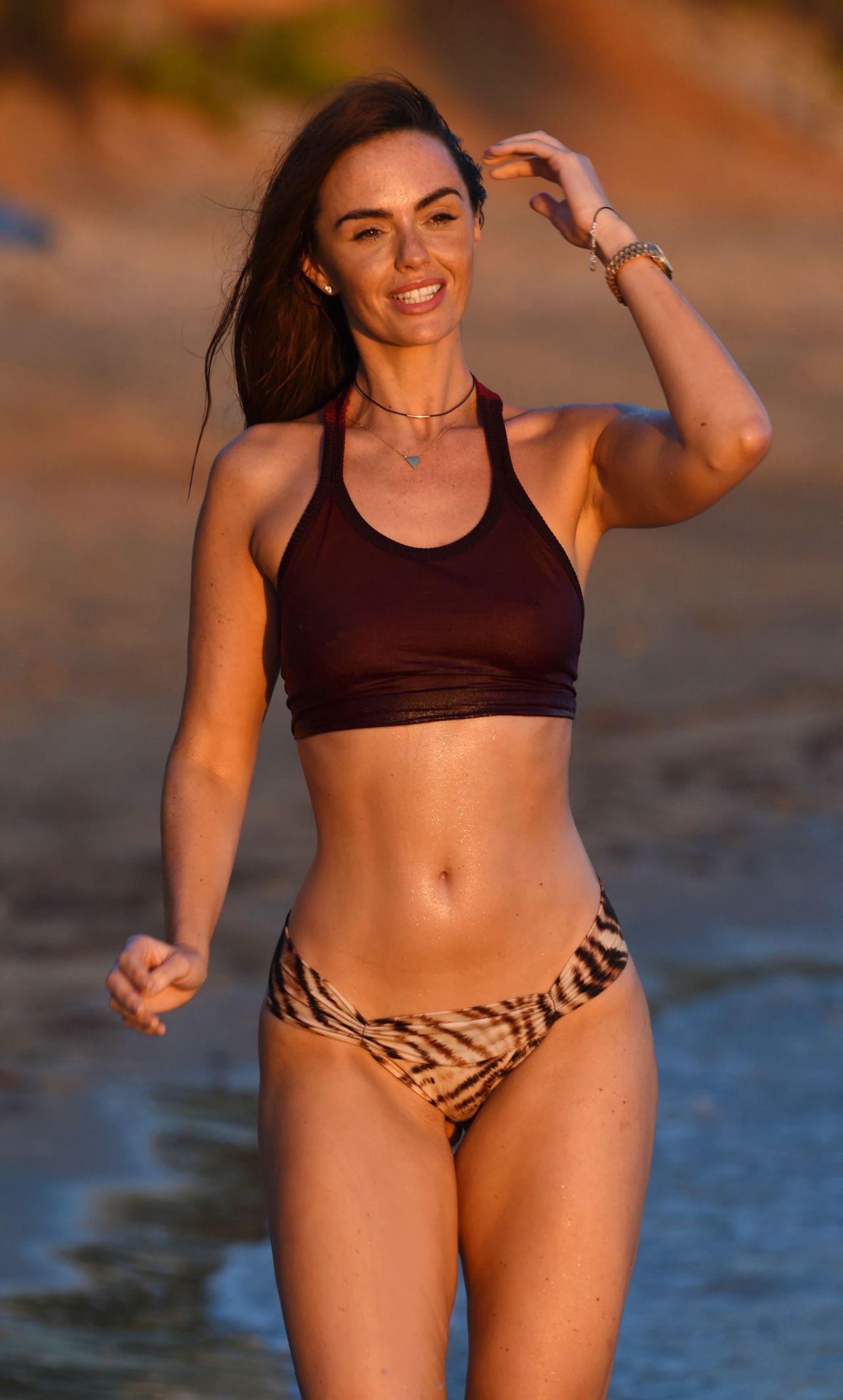 Bikini Jennifer Metcalfe nude (51 photo), Sexy, Cleavage, Feet, cleavage 2020