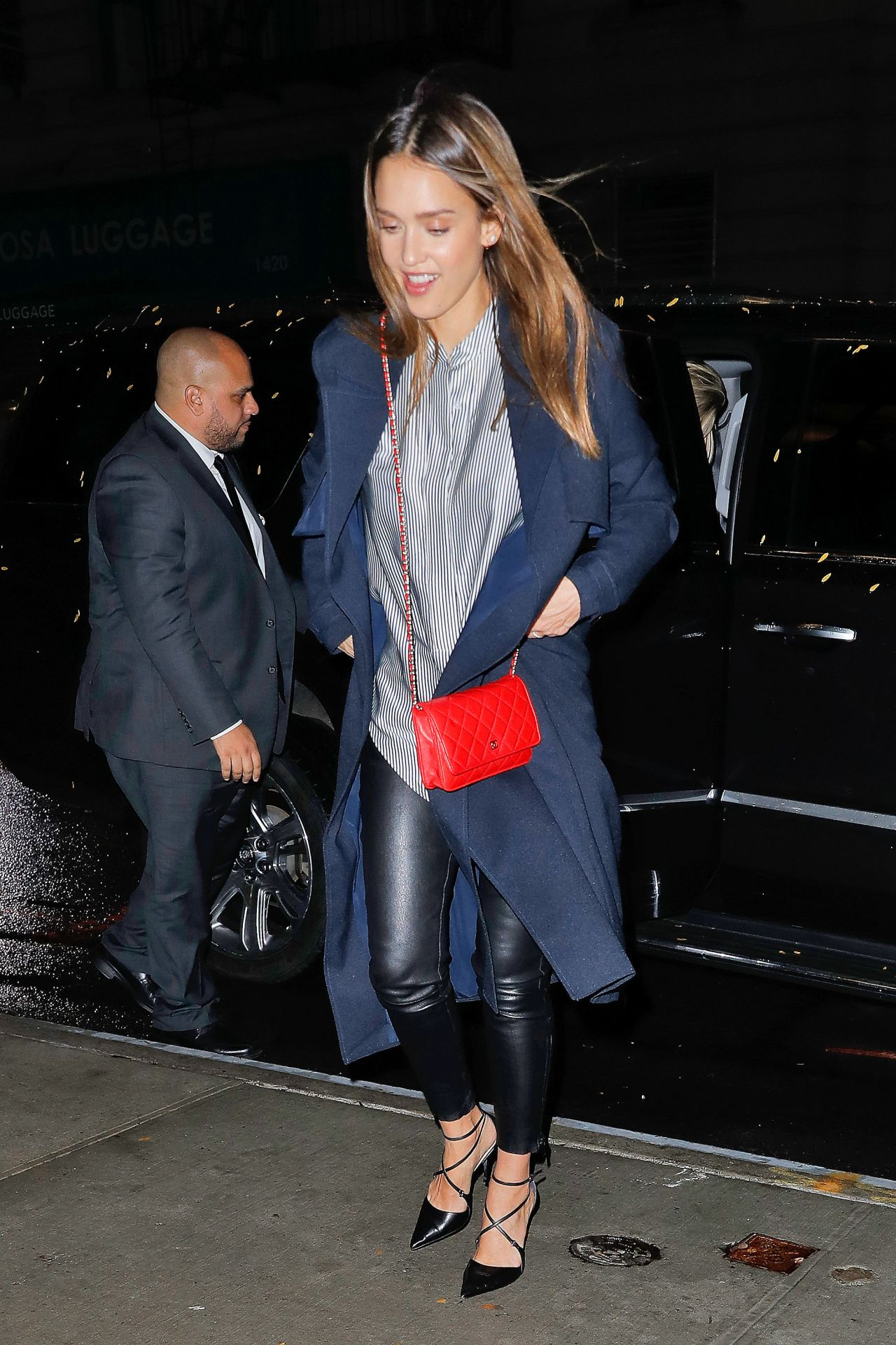 Jessica Alba Style Out In Nyc 10 21 2016