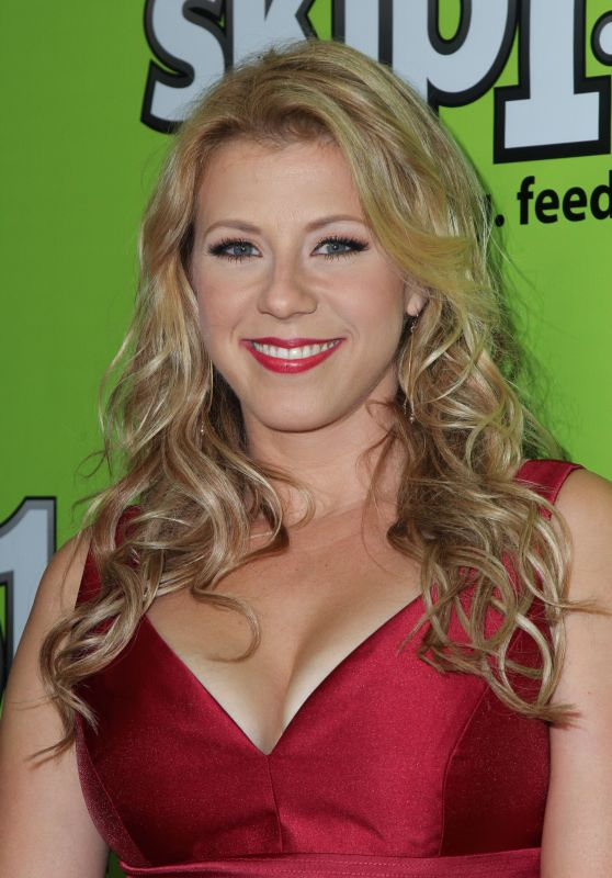 Jodie Sweetin - Skip1 Night Event in Hollywood 10/15/ 2016
