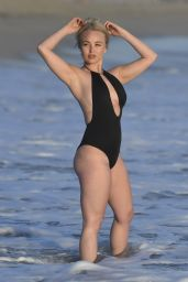 Jorgie Porter on Malibu Beach 10/18/2016