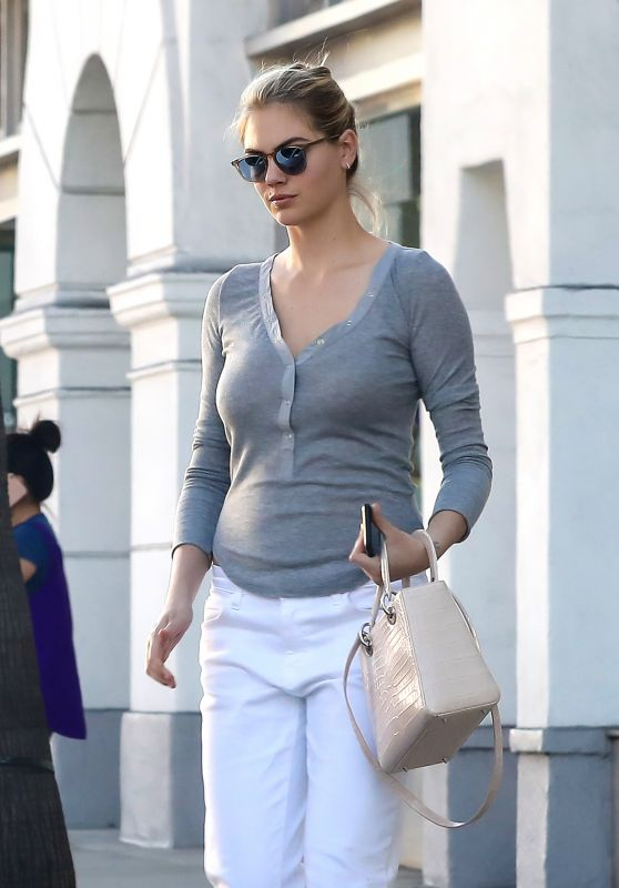 Kate Upton at Portofino Tanning Salon in Beverly Hills, October 2016