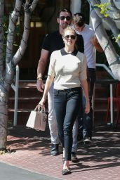 Kate Upton Style Inspiration - Leaving Fred Segal in West Hollywood 10/4/2016