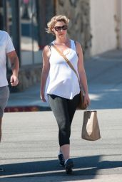 Katherine Heigl in Leggings - Out in Los Angeles 10/8/2016