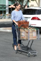 Katie Holmes - Out Grocery Shopping in Calabasas 10/28/ 2016
