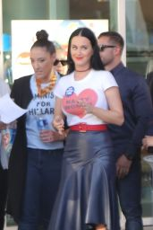 Katy Perry - Wears T-Shirt That Reads Nasty Woman at Hillary Clinton Rally in Las Vegas 10/22/2016