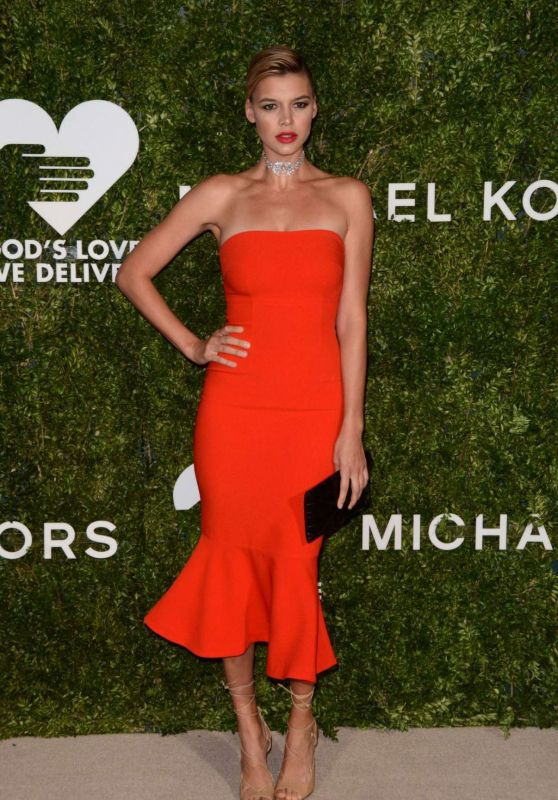 Kelly Rohrbach - Gods Love We Deliver Golden Heart Awards 2016 in New York City