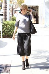 Kelly Rutherford - Out for Lunch in Beverly Hills 10/5/2016
