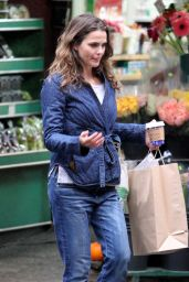 Keri Russell Shopping in NYC 10/27/2016