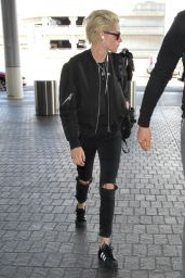 Kristen Stewart - LAX Airport in Los Angeles 10/11/2016