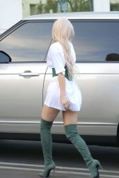 Kylie Jenner - Out in LA 10/17/2018