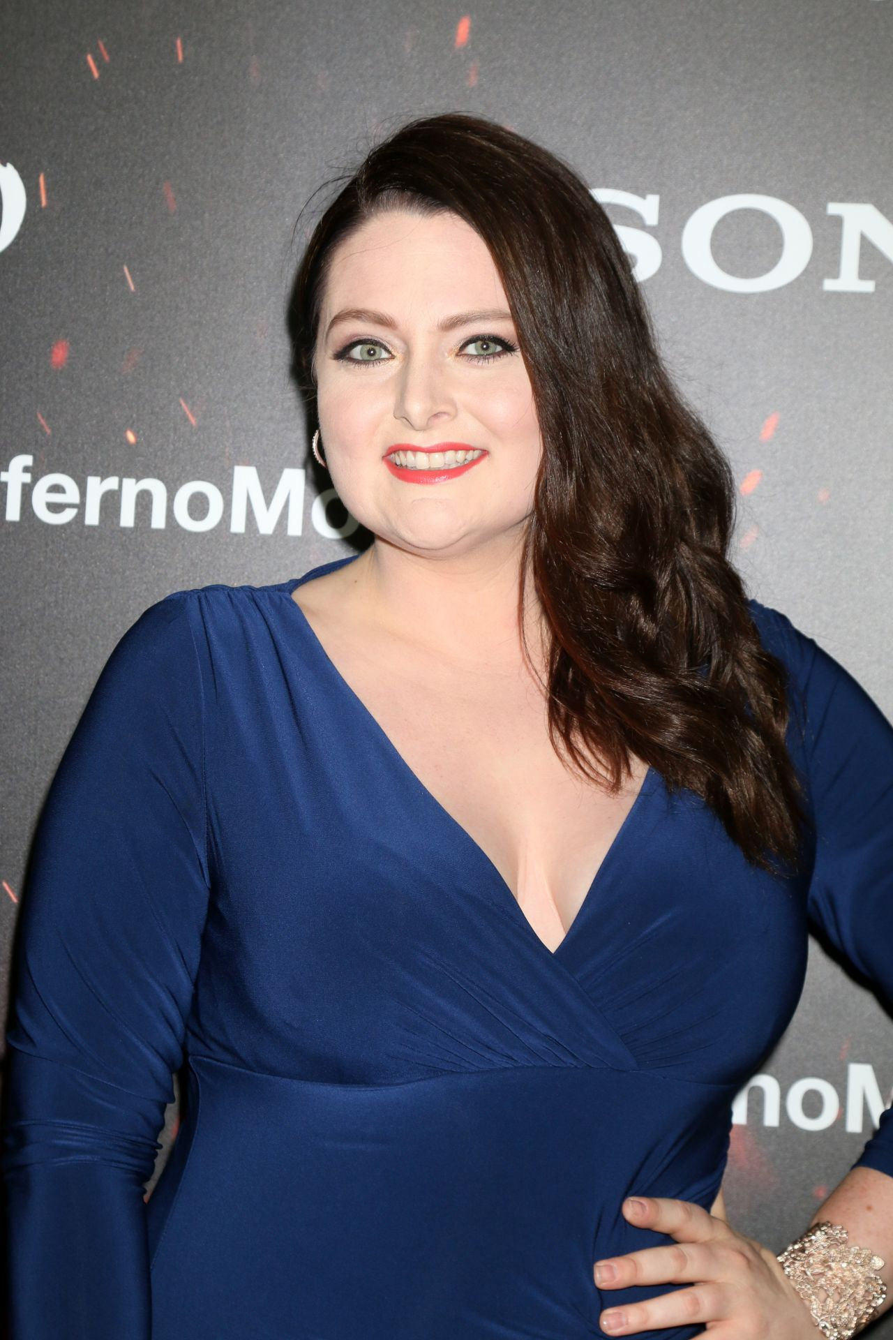 Lauren Ash's Armpit-Sniffing Date From Hell @ TeamCoco.com