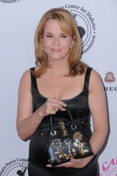 Lea Thompson – Carousel Of Hope Ball in Beverly Hills 10/08/2016