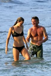 Leila George and Sean Penn on vacation in Hawaii, October 2016